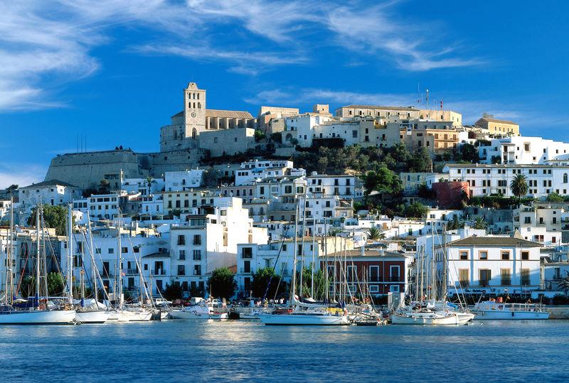 Blick auf die Altstadt von Eivissa, Ibiza, Balearen, Spanien